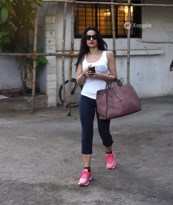 Ameesha Patel Spotted at Kromkay salon