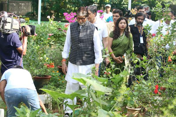 Amitabh Bachchan at Banega Swachha India event by NDTV and Dettol