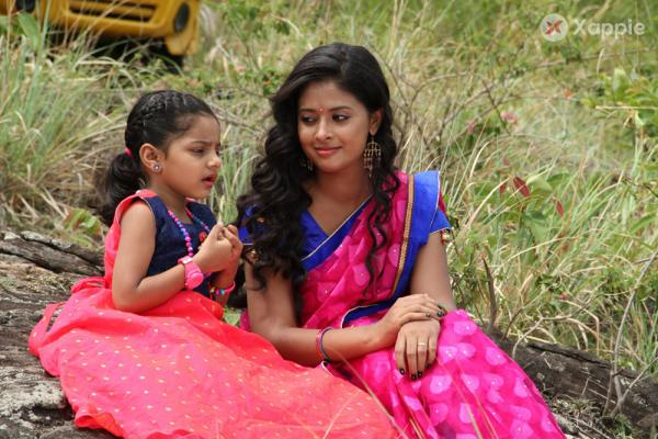 Kanmani Paapaa Movie Photos