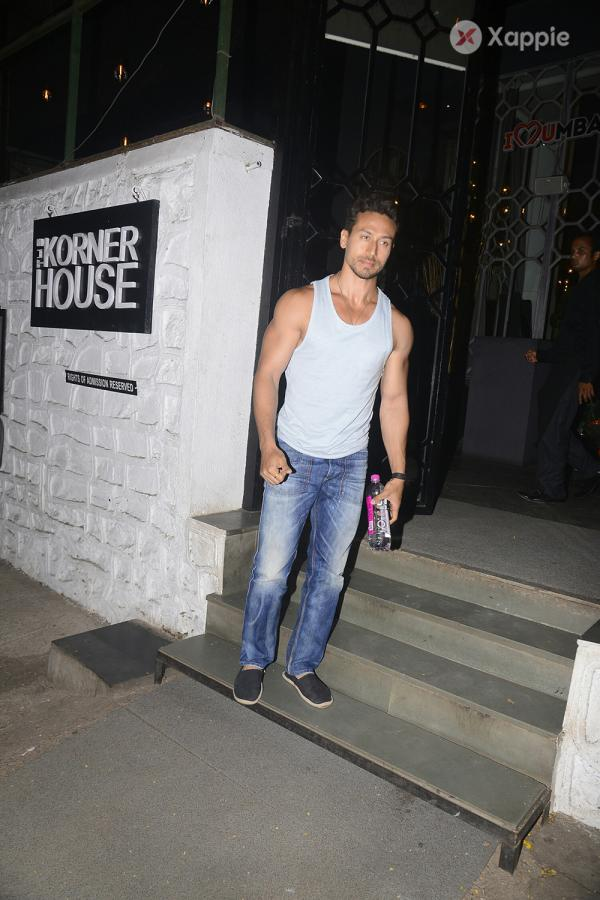 Tiger Shroff spotted at Korner house in bandra