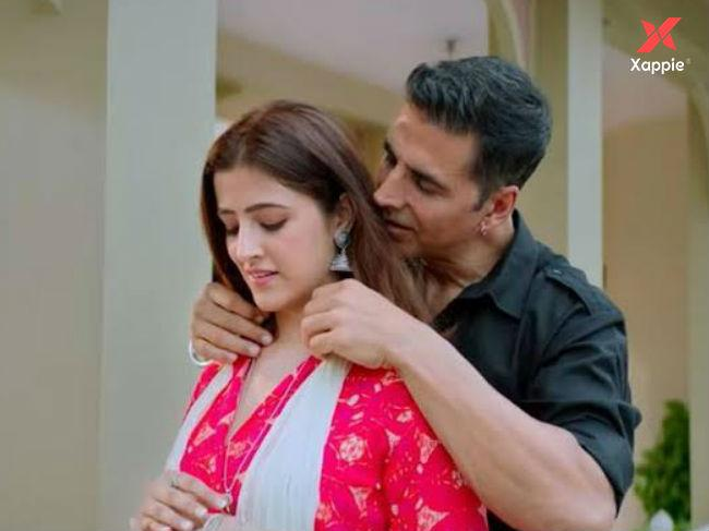 Filhall music video teaser out! The video stars Akshay Kumar and Nupur Sanon