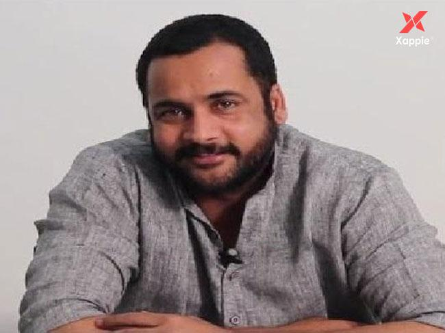 Actor Shivaji detained at Hyderabad airport