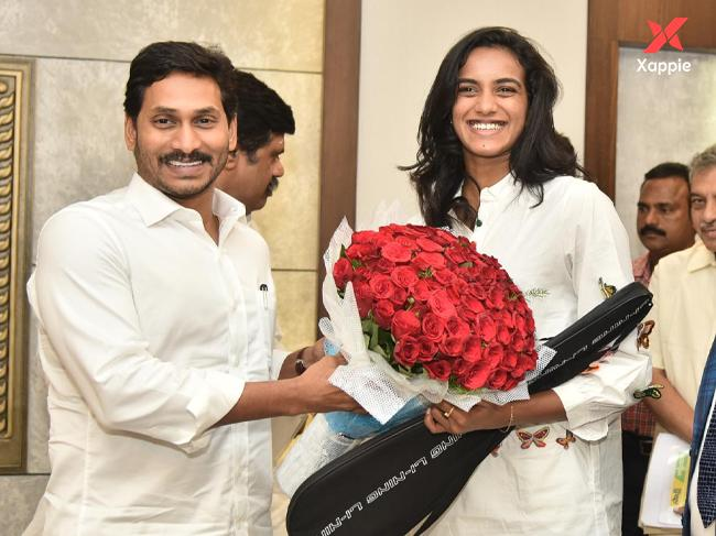 PV Sindhu meets Jagan and both exchanges gifts