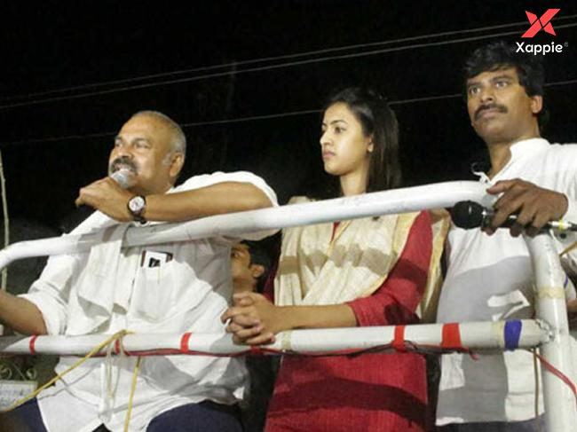 'Niharika' campaigning with her father Nagababu in Narasapur