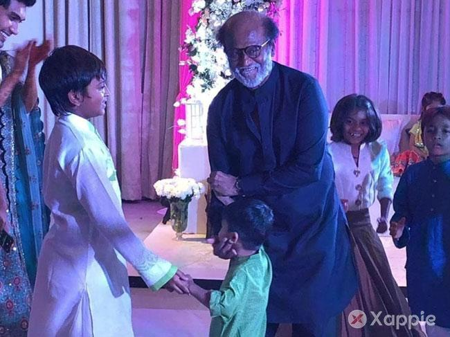 Superstar Rajinikanth breaks the dance floor..!
