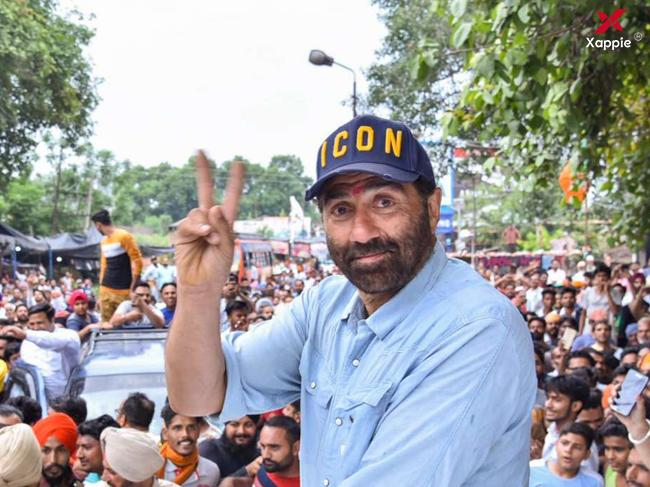 EC issues notice to Sunny Deol for violating poll code!