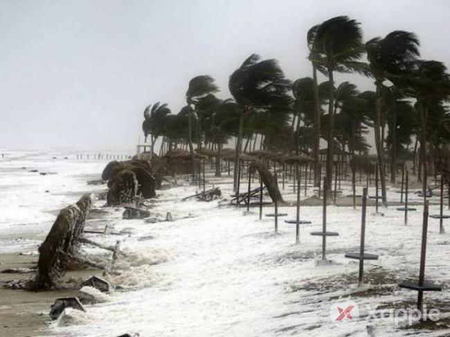 Cyclone Titli hits Odisha-Andhra coasts