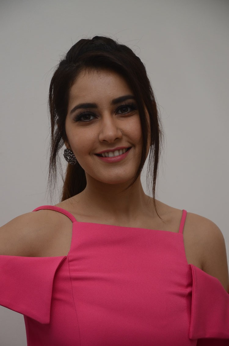 Rashi Khanna Latest Photoshoot for her New Movie