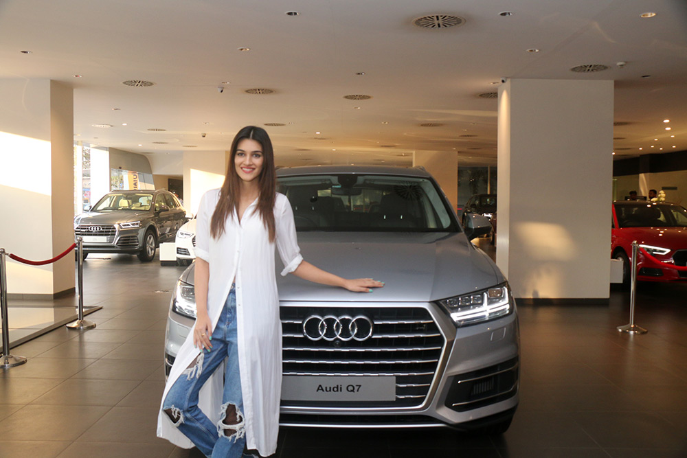 Kriti sanon Taking The Delivery of The Audi Q7 at Andheri,Mumbai Photos