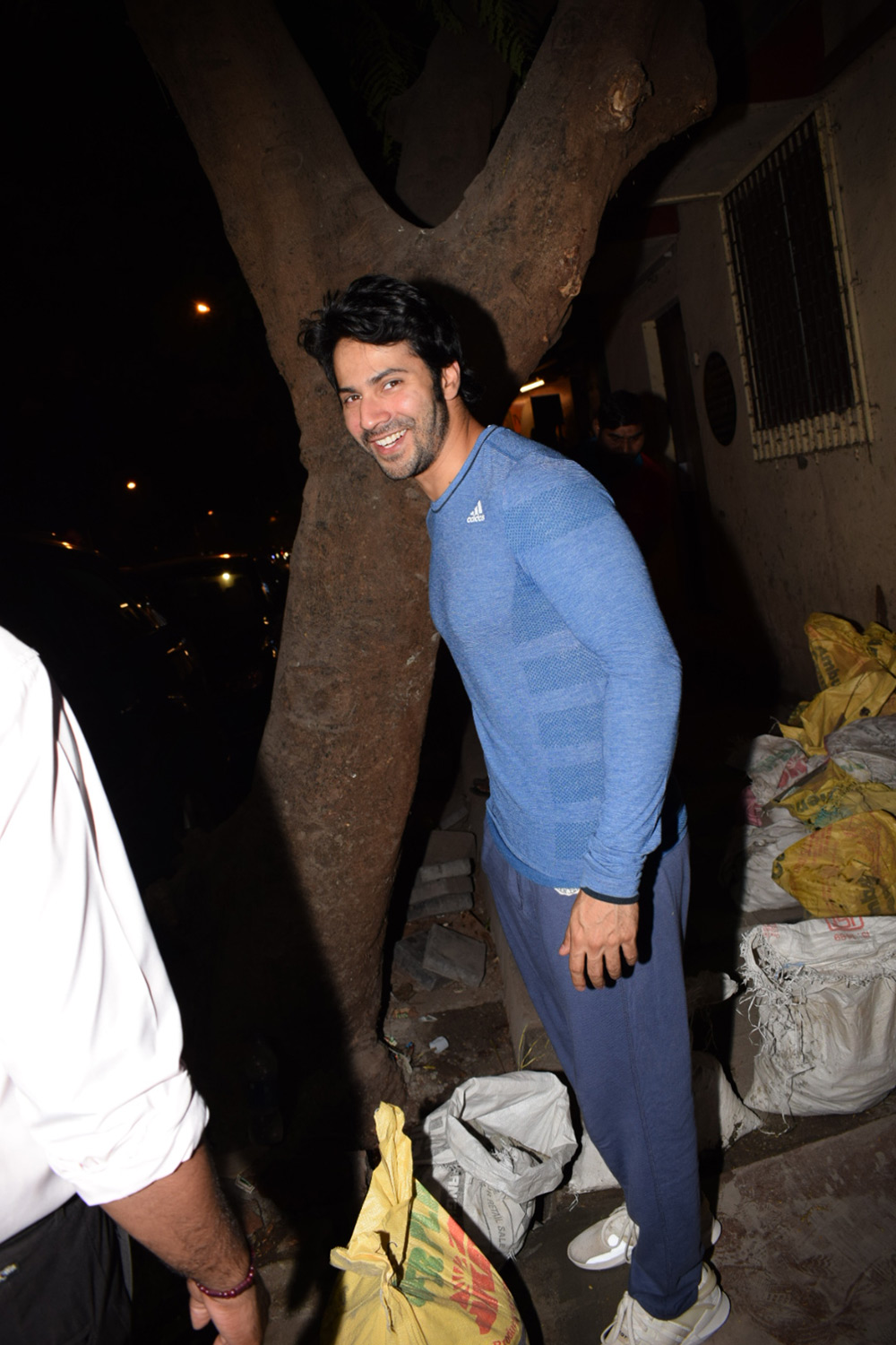 Varun Dhawan spotted at gym in juhu pics
