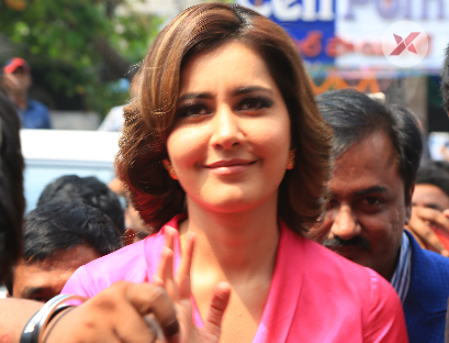 Big C 226th Store Launch By Raashi khanna at Vizag