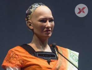 Sophia A Humanoid Robot Says 'She is in love with Shahrukh Khan'