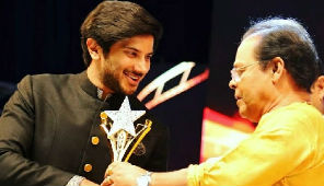 Dulquer Recieving Yuva Best actor award 2017